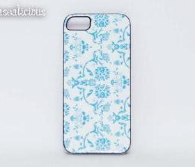Trendy designer style iphone case, blue vintage damask, trendy case, iphone 4 case, iphone 5 case, printed iphone case